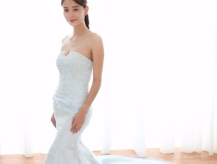 Elegant Lace Mermaid Evening Gown With Beads