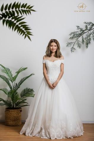 Off Shoulder Europe Lace WeddingDress