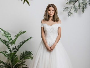 Off Shoulder Europe Lace Wedding Dress