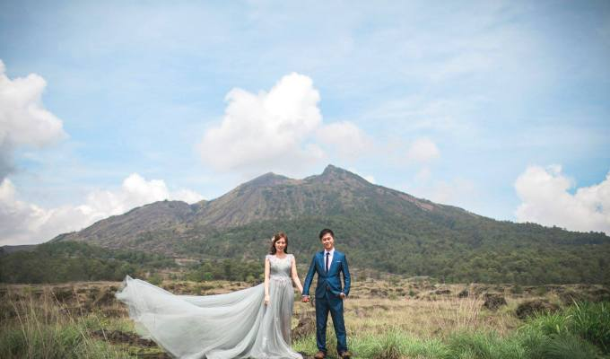 Malaysia Top Wedding Photographer Partners with Vow Bridal GownRental